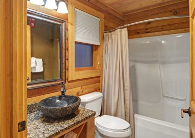 Cabin 45L - Bathroom 1
