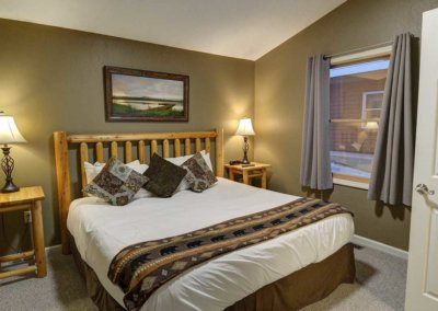 Cabin 5 - Bedroom 1
