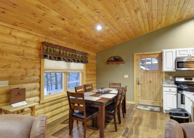 Cabin 5 - Dining Area