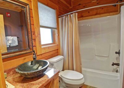 Cabin 50L - Bathroom